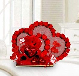 Love Is In The Air Is A Beautiful Valentineu0027s Presents With Double Heart  Shape Red Roses Come Along With Cuddly Medium Size Valentine Teddy Bear.