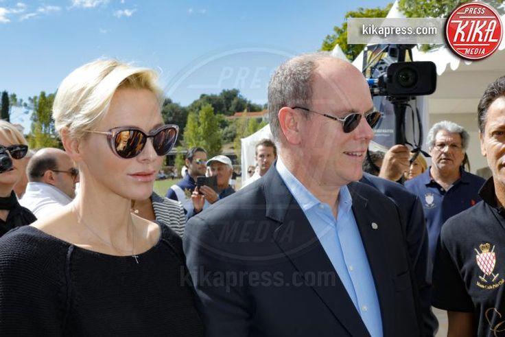 Principe Alberto di Monaco, Principessa Charlene Wittstock - Saint Martin de Peille - 18-09-2016 - Alberto di Monaco accoglie Roger Moore alla Monte-Carlo Polo Cup
