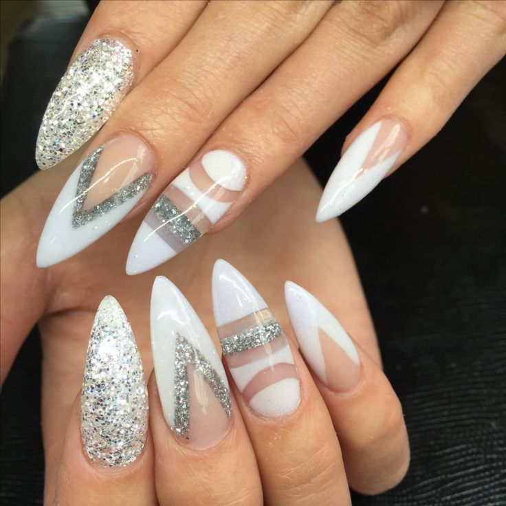 Snowy white negative space - Nailpro