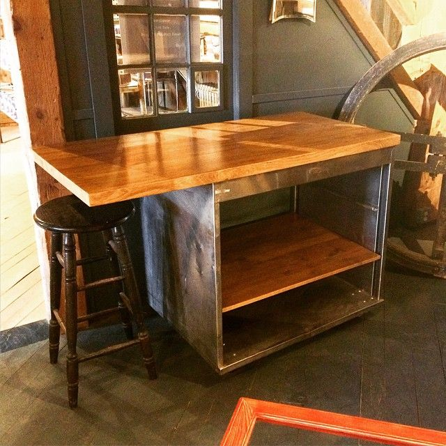 This reclaimed stainless steel island has an Oak top and would look fantastic in both a rustic or modern kitchen. Beautiful! #reclaimed #interiordesign #kitchendesign