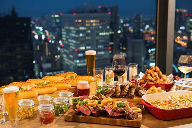 ヒルトン大阪のアメリカンスカイビアホールで夜景とアメリカンフードに乾杯