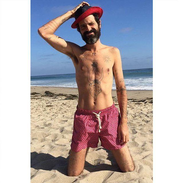 Congratulations @devendrabanhart on your great new album and for looking so good in your Xarifa swim trunks.  #xarifa #premiumswimwear #madeinitaly #devendrabanhart #apeinpinkmarble #fatimaflame