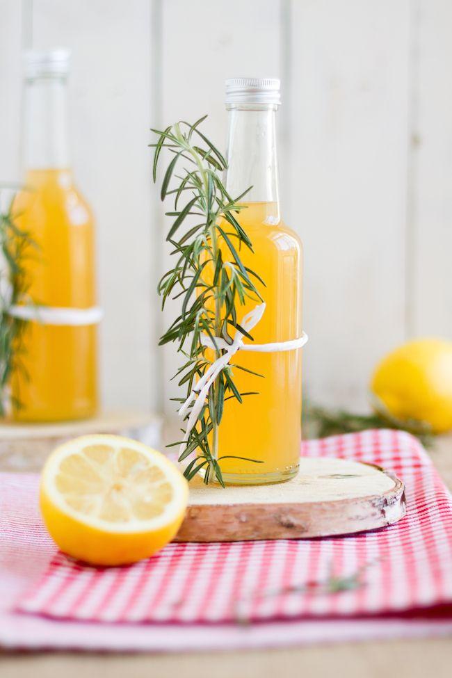 Rosmarin-Zitronen-Grapefruit Sirup  Sollte perfekt zum Greyhound passen  …
