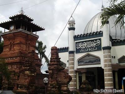 masjid menara kudus, indonesia