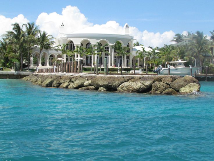 Celebrity Spotting in The Bahamas - Nassau Paradise Island