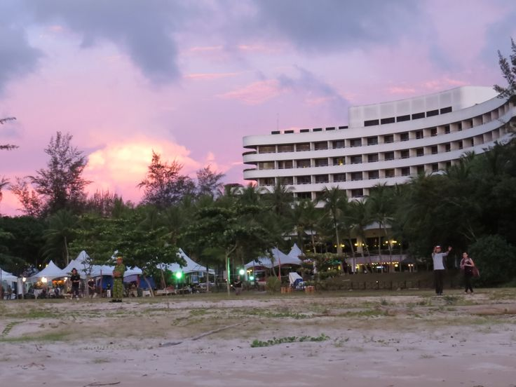 Everly Park hotel ... hpme tobthe Borneo Jazz Festival  img_0589.jpg (4000×3000)