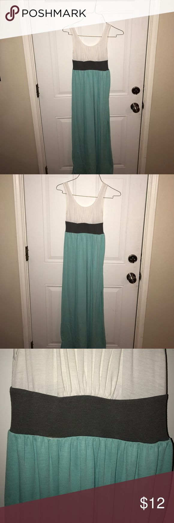 White and turquoise maxi dress White grey and turquoise maxi dress super cute!! Xs but I'm a small/medium and it fits me Mossimo Supply Co Dresses Maxi