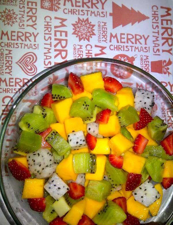 Mix Fruit Kiwi,Dragon fruits, Mango and Strawberry