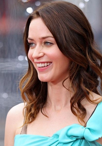 Emily Blunts wavy, ombre-colored hairstyleOmbre Colors Hairstyles, Blunt Wavy, Ombree Colors Hairstyles, Long Hairstyles, Emily Blunt, Hairstyles Ombre, Hair And Beautiful, Ombrecolor Hairstyles, Wavy Hairstyles