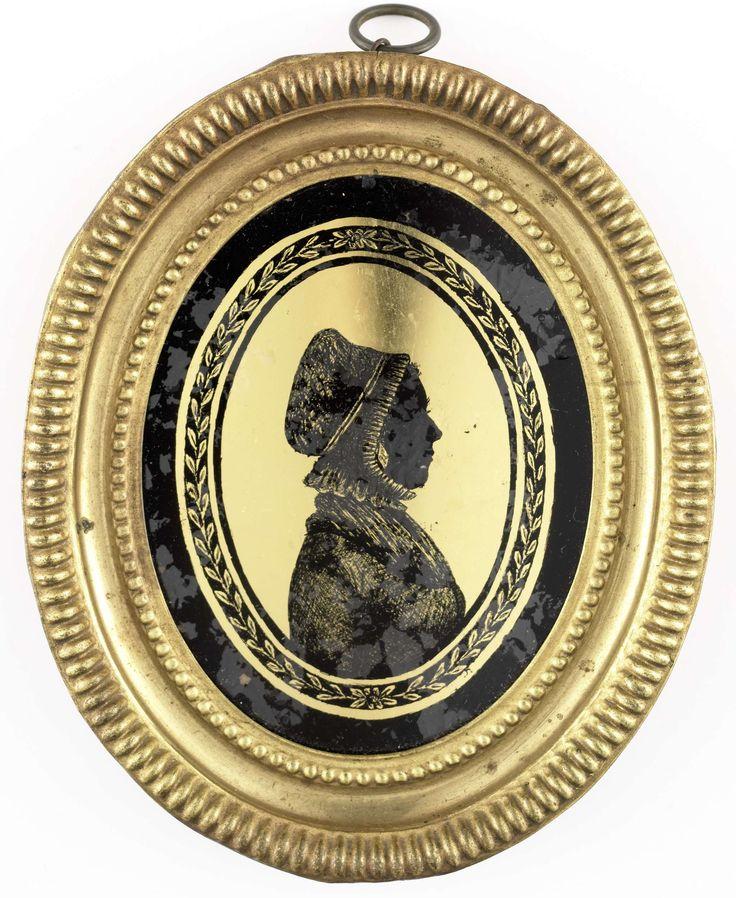 August Forberger | Silhouet portret van een vrouw met neepjesmuts, August Forberger, 1791 - 1801 | Silhouet portret van een vrouw met neepjesmuts. Buste naar rechts. Pendant van SK-A-4814. Onderdeel van de collectie portretminiaturen.