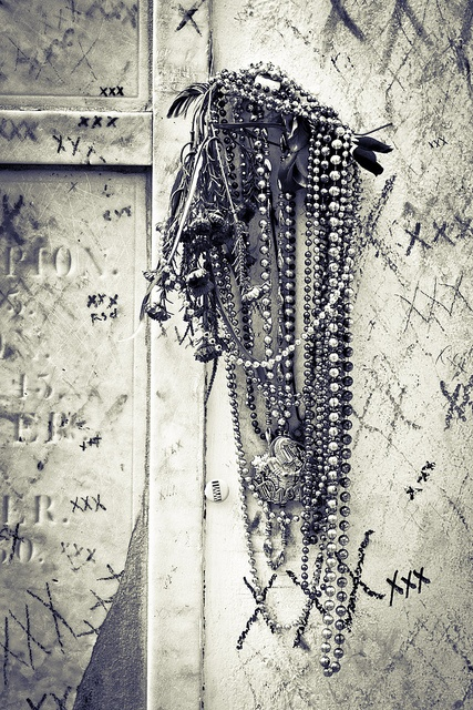 Offerings at Marie Laveau's Tomb