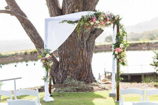 image by Wesley Vorster - flowers by Green Goddess flower studio - cape point vineyard wedding