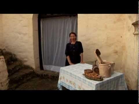 BASILICATA GENTE E CUCINA DI UN LUOGO ALTROVE - YouTube