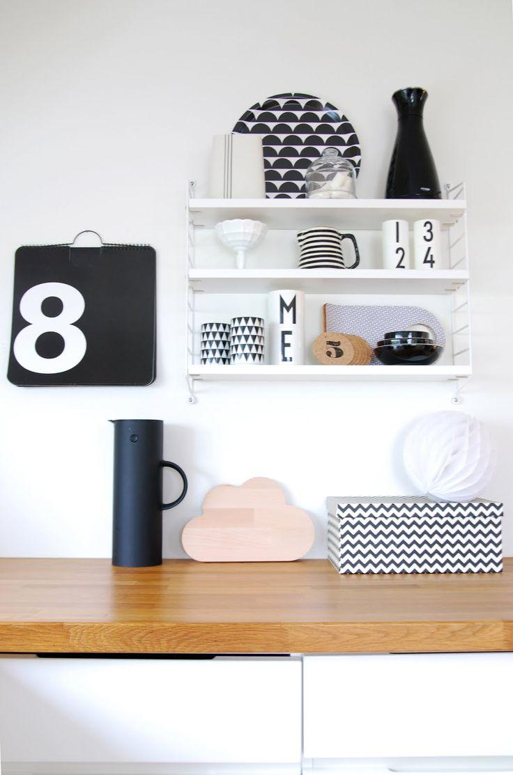 String Pocket shelf in white. From the blog FargeBarn.