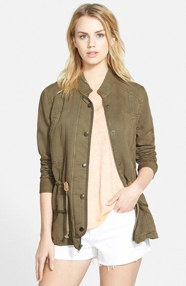 Free shipping and returns on Hinge Drapey Military Jacket at Nordstrom.com. Taking a cue from heritage military attire, this slouchy jacket features a dapper stand collar flanked by crisp shoulder panels and an internal drawcord at the waist for a figure-flattering fit.