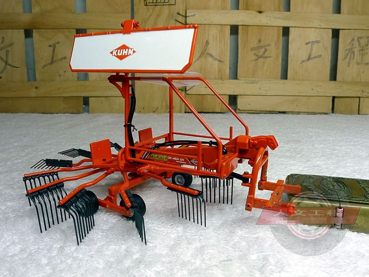 (36.00$)  Watch more here - http://ai3zt.worlditems.win/all/product.php?id=32776816845 - rare Model of Forage Harvester Forage collectors Tractor accessories model UH 1:32 Alloy Collection Model