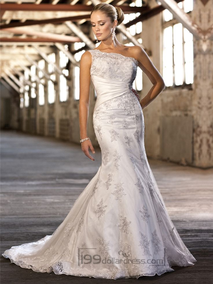 Lace Appliques One-shoulder Trumpet Wedding Dresses