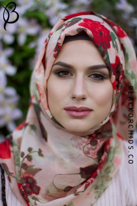 Fashion: Floral Hijab Scarves Style