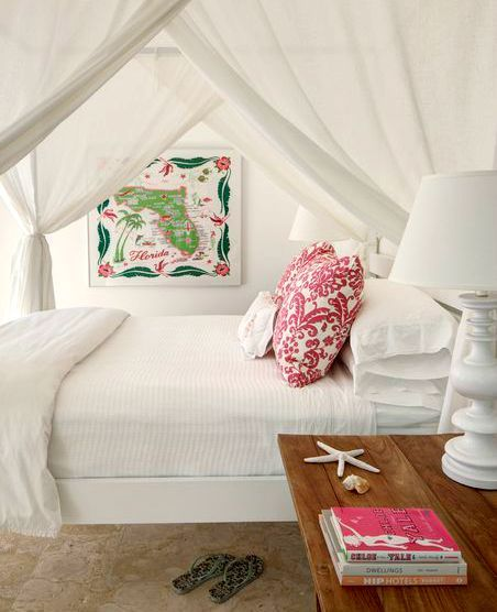 Romantic Tropical Canopy Beds in a Florida Home: http://www.completely-coastal.com/2015/08/romantic-tropical-canopy-beds.html