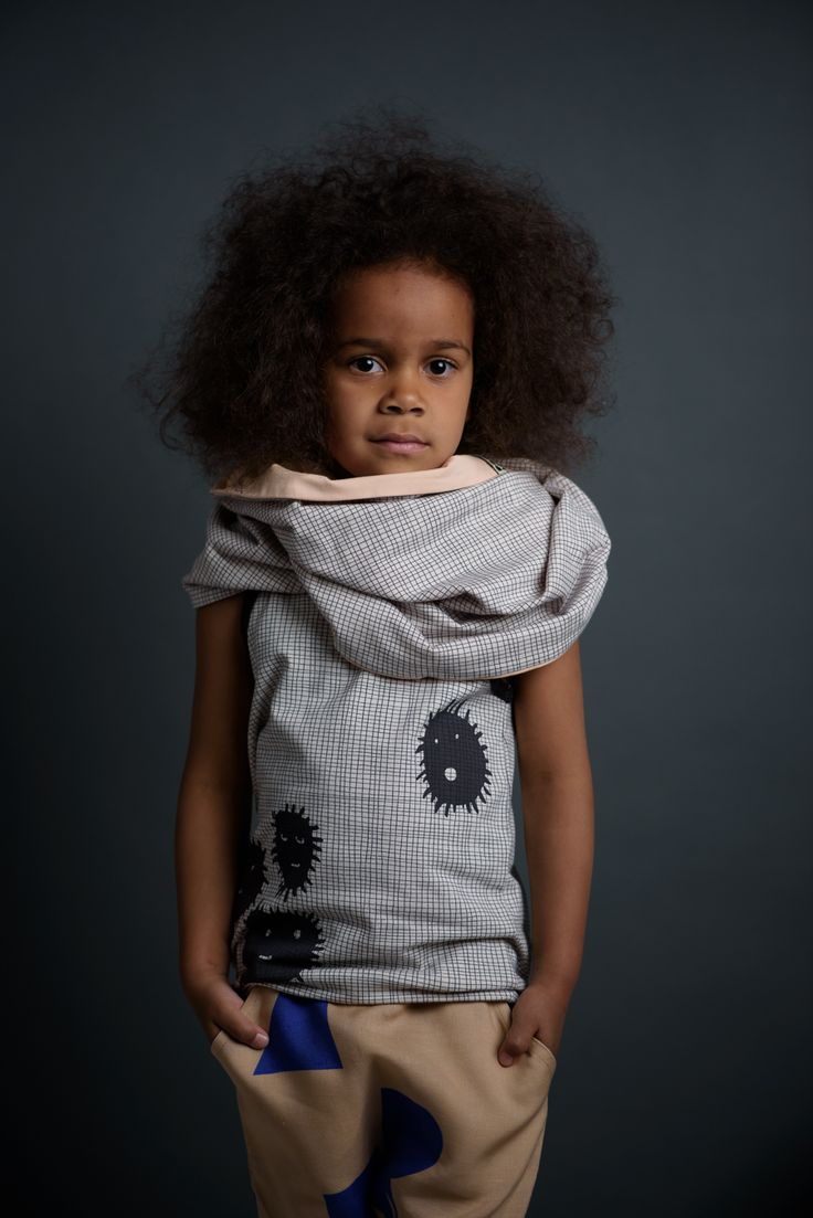 Round scarf from 100% certified organic cotton.  Made in Finland