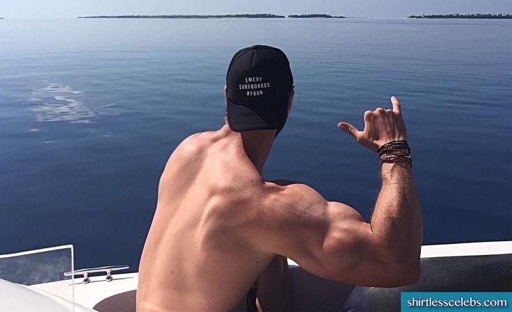Risultati immagini per chris hemsworth biceps