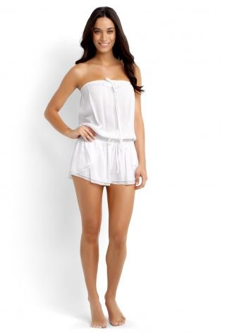 Beautiful little dress! Perfect for the beach!