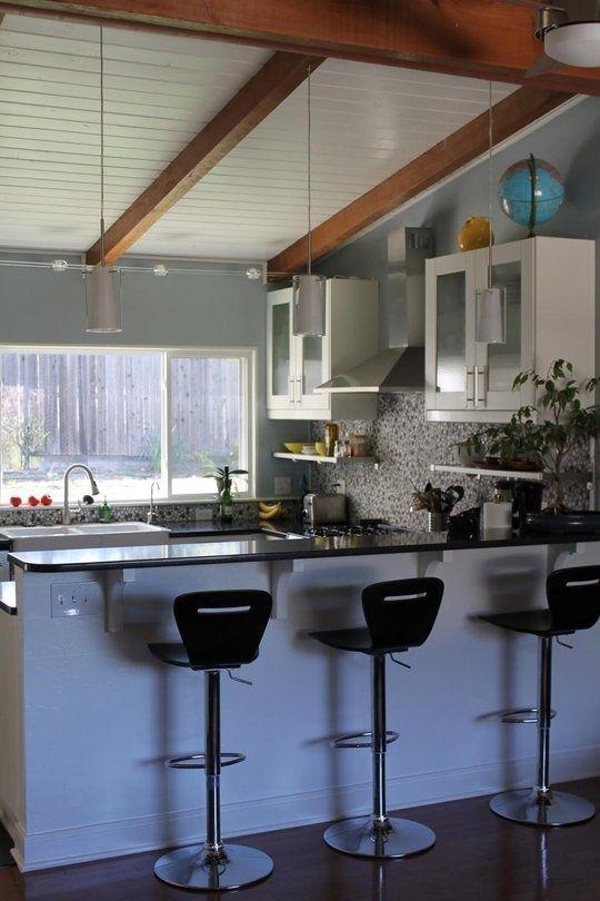 https://i.pinimg.com/736x/e9/6f/dc/e96fdcae4f29918f84a28d9e92ade359--kitchen-bars-kitchen-ideas.jpg