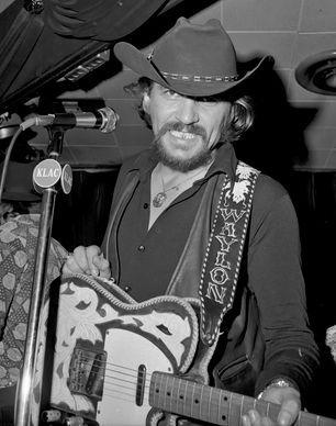 waylon jennings 1973