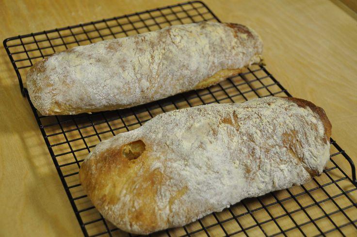La video ricetta con tutti i trucchi per fare il pane ciabatta in casa senza l'impastatrice