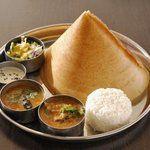 南インド料理ダクシン - 料理写真:【プレーン・ドーサ】インド風パリパリ・クレープ、サンバルとチャトニーを付けて