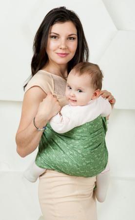 """Мамарада Слинг с кольцами Линда размер М  — 2447р. ------------- Слинг с кольцами позволяет носить ребенка как горизонтально в положении """"Колыбелька"""" так и в вертикальном положении. В слинге в положении """"Колыбелька"""" малыш располагается точно так же, как у мамы на руках, что особенно актуально для новорожденного. Ткань слинга равномерно поддерживает спинку малыша по всей длине. Малышу комфортно и спокойно рядом с мамой. Мама в это время может заняться полезными делами или прогуляться. В…"""