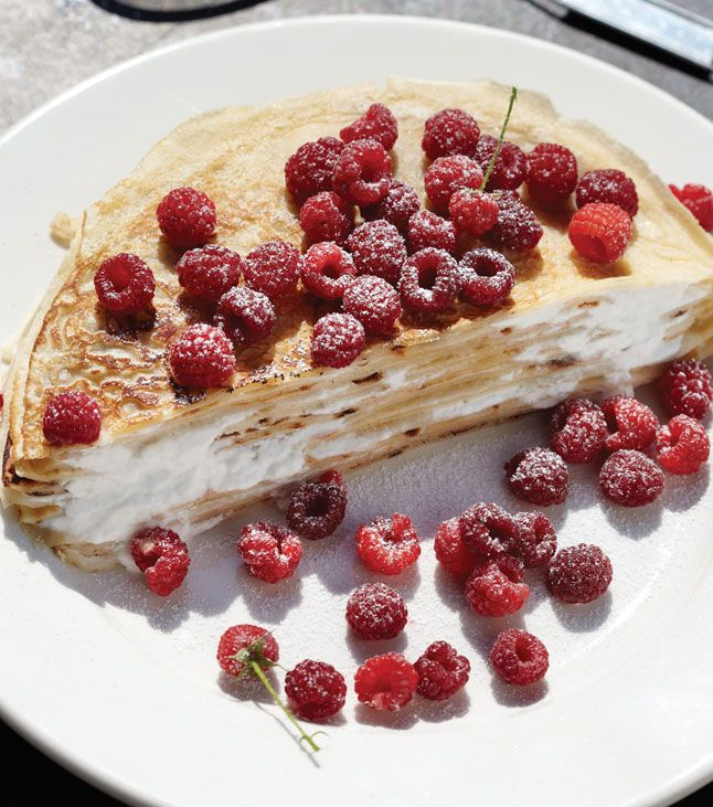 raspberry-crepes: Layered Cakes, Crepes Cakes, Raspberries Crepes, Crepes Layered, Strawberries Shortcake Cakes, Birthday Traditional, Comforter Food Recipes, Buttermilk Crepes, Breakfast Cakes