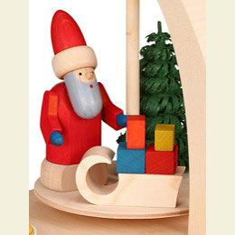 1-tier pyramid - Santa with sled (18cm/7in) by Seiffener Volkskunst