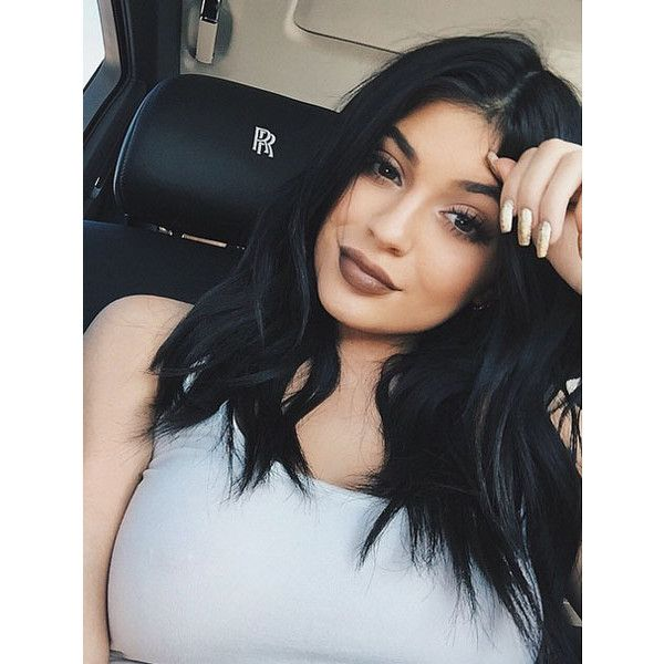 Watch as Kylie Jenner proves she can actually sing in a Snapchat video... ❤ liked on Polyvore featuring kylie jenner, kylie, cabelo, hair and photo