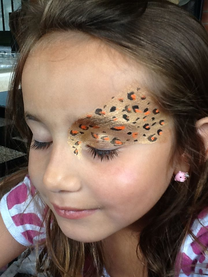 leopard eye candy face painting sooo pretty cheetah print rachel 39 s face painting pinterest. Black Bedroom Furniture Sets. Home Design Ideas