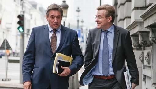 Michel en zijn vicepremiers zoeken een uitweg uit de politieke crisis - Het Laatste Nieuws