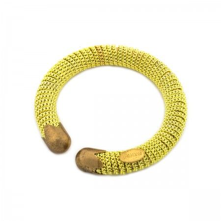 Bracelet With spring and brass chain.