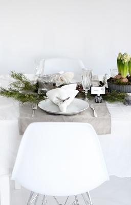 Hyacinths - christmas table setting