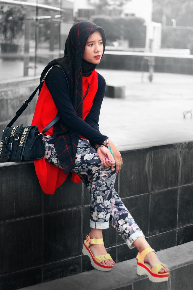 #hijab #hijabootd #indonesianhijab #ootd #dailyhijab #hijabers #likeforlike #fashion #fashionhijab #fashionable #fashionmuslim