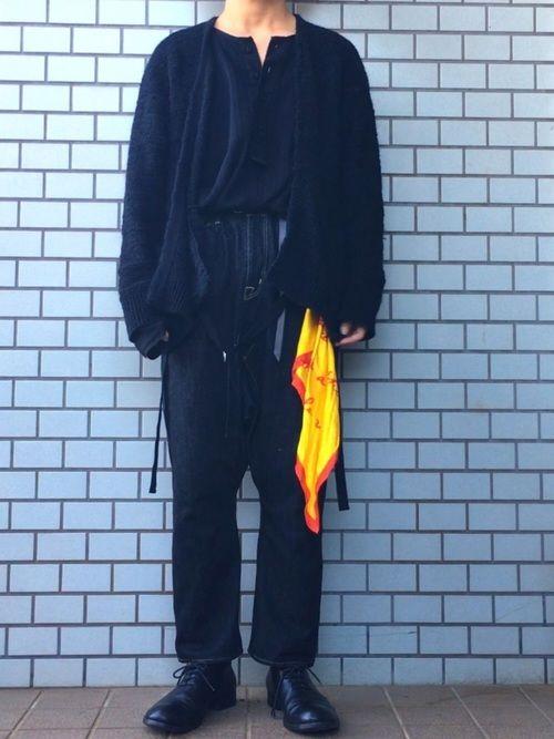 カーディガンは吾亦紅の新年別注のものです。埼玉県入間市で作られてるからIRMAだそうで。グランジな質