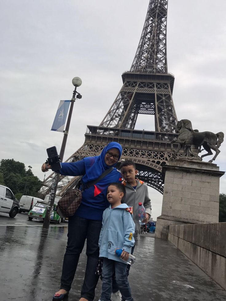 Travelling with kids😘 #paris