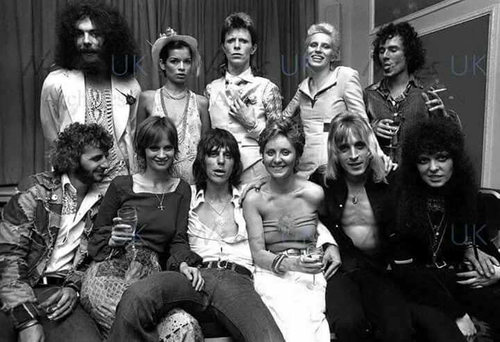 1970s rock'n'roll royalty at the Ziggy Stardust 'retirement' party. Back l-r: Edgar Broughton, Bianca Jagger, David Bowie, Angie Bowie, Elliott Gould; Front: Ringo Starr, Celia Hammond, Jeff Beck, Lulu, Mick Ronson, Dana Gillespie