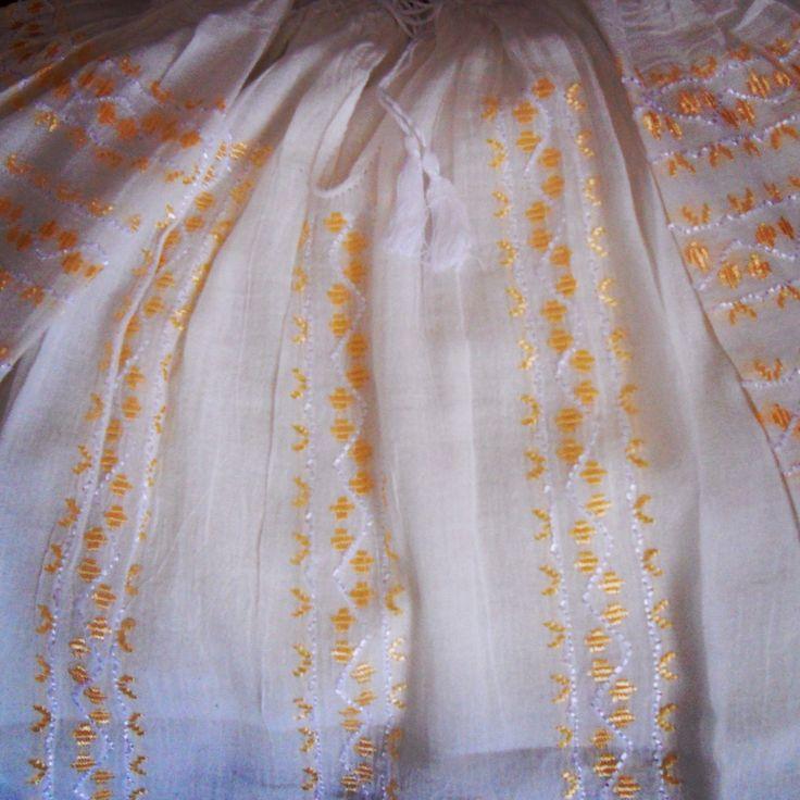 Beauty of the day! #byAnilu #gold #silk #embroidery #fashion #SS15 #inspiration #lablouseroumaine www.anilu.ro/en