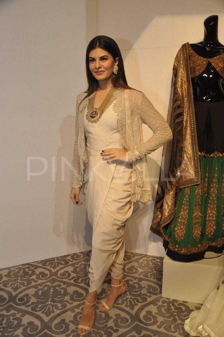 Jacqueline Fernandez & Aditi Rao Hyadri attend Anand Kabra's fashion installation! | PINKVILLA