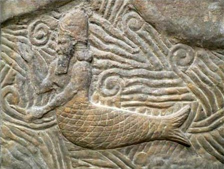 """Detail of a bas-relief from the palace of the Assyrian king Sargon II (721-705 BC) presumably showing """"Oannes"""". Louvre, Paris; origin: Dur-Sharken (modern Khorsabad), Irak."""