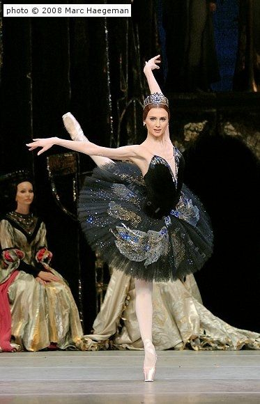 Svetlana Zakharova as Odile in Swan Lake: Now *she* is the Black Swan incarnate.