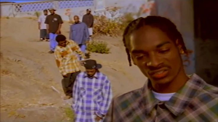 SNOOP DOGG - WHO AM I (WHATS MY NAME) HD  my name´s m - like d´ mix, like d´ master like d´ mic´ - michael´s my name y´all know  - and there no damn monster behind the tent´s - we were all sleepin´in at the time we stood in da hood ...