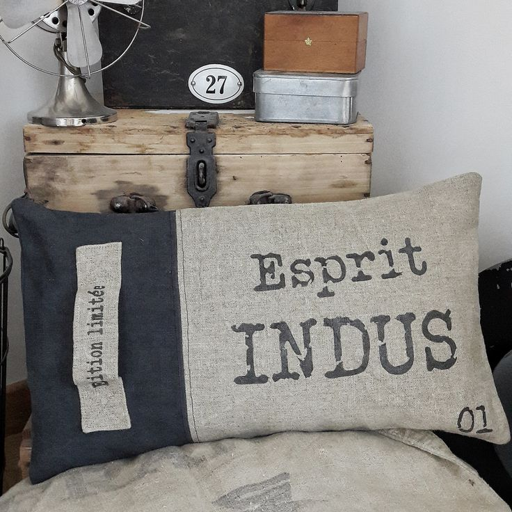 les 578 meilleures images du tableau couture coussin coussins sur pinterest oreillers. Black Bedroom Furniture Sets. Home Design Ideas