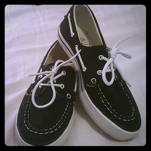 Black Boat Shoes Excellent Used condition, only worn a few times, size 6 black and white woman's boat shoes. The Riding Club Shoes