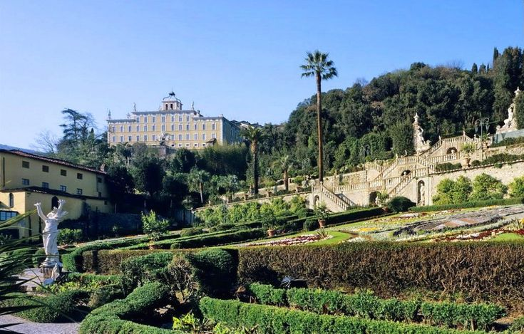 #Pinocchio Villa and its stunning gardens for sale #Tuscany